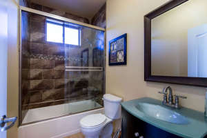98 Arthur Hills Ct Henderson-small-032-Bathroom-666x444-72dpi