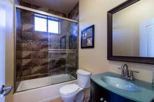 98 Arthur Hills Ct Henderson-small-032-Bathroom-666x444-72dpi