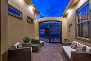 98 Arthur Hills Ct Henderson-small-045-Courtyard-666x444-72dpi